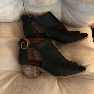 Lucky Brand leather open-toe booties